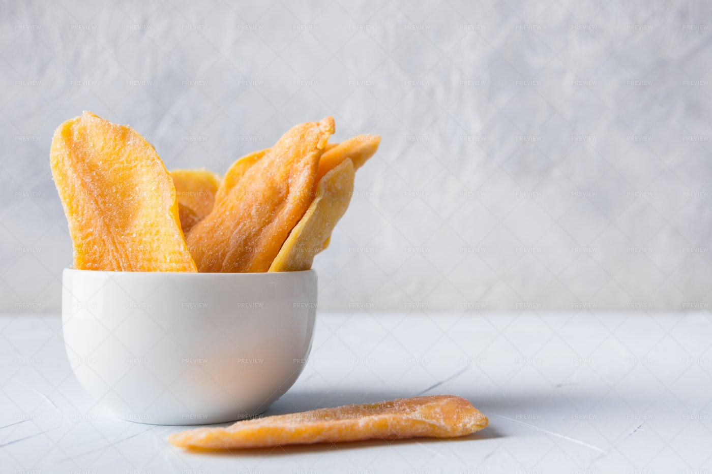 Dried Mango Chips: Stock Photos