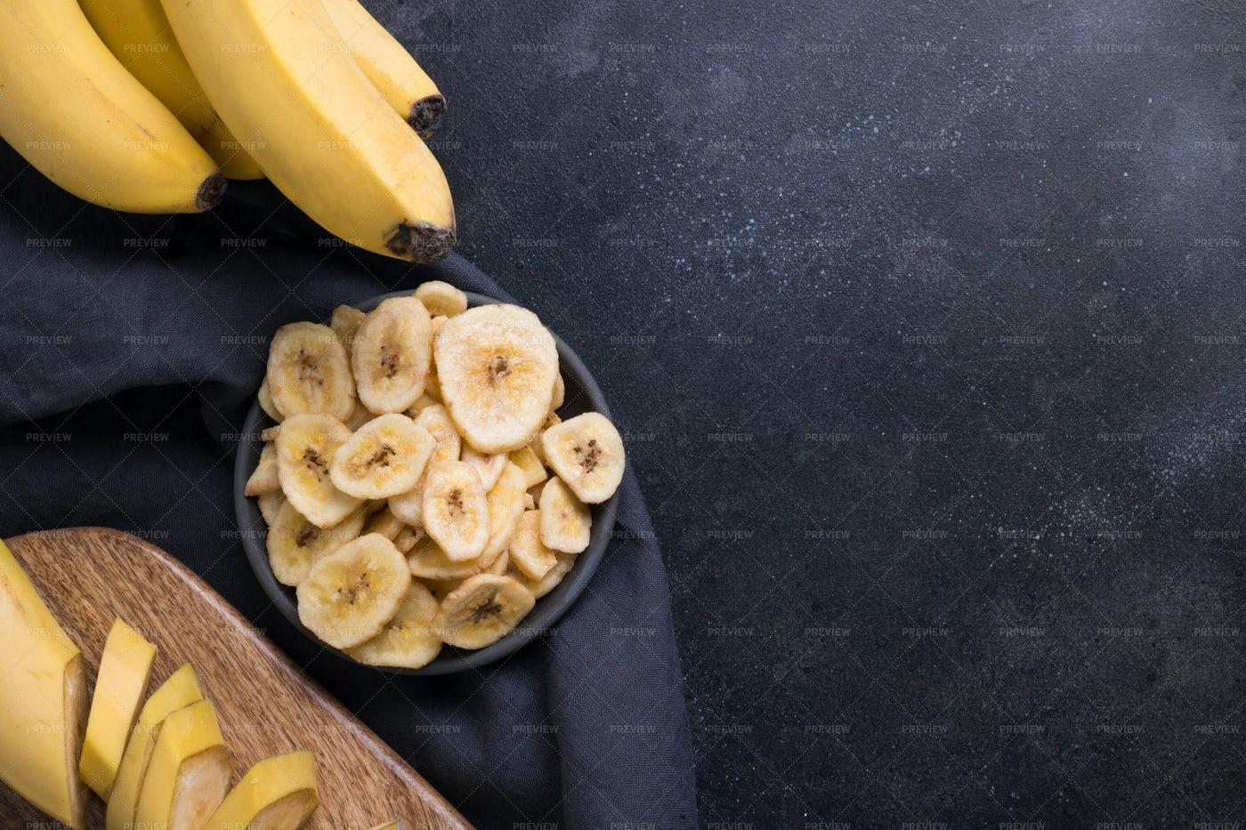 Dehydrated Banana Chips: Stock Photos