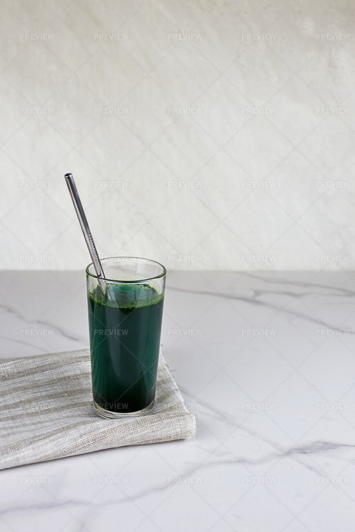 Chlorella Or Spirulina Drink: Stock Photos