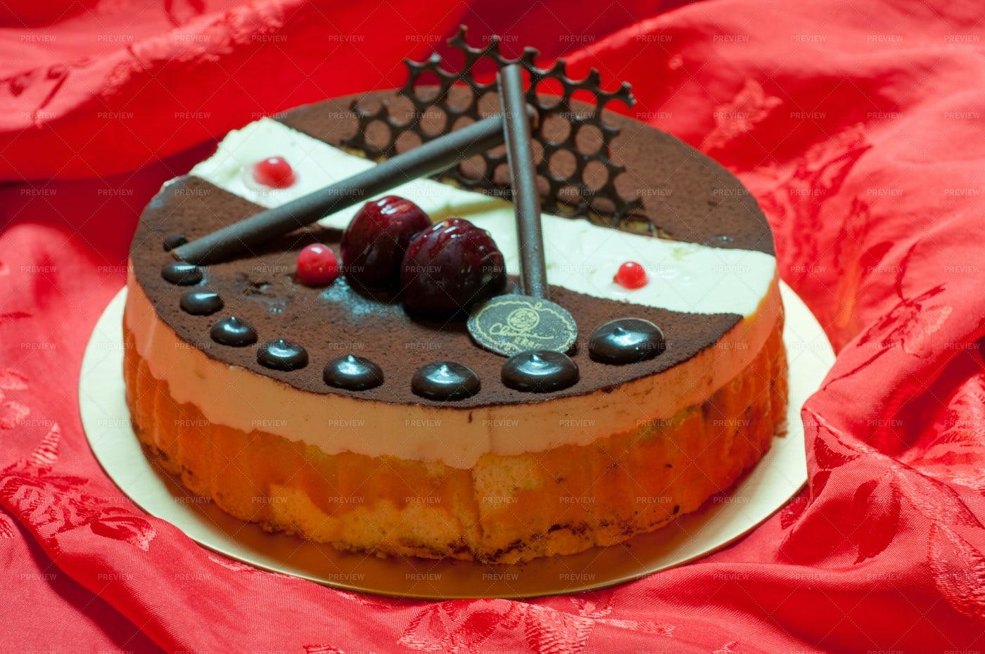 Birthday Cake: Stock Photos