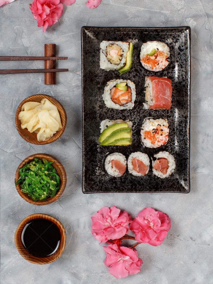 Nigiri Sushi Set: Stock Photos