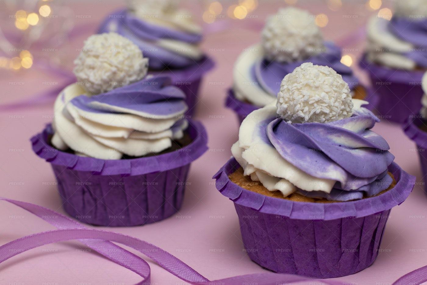 Cupcakes With Lilac Cream: Stock Photos
