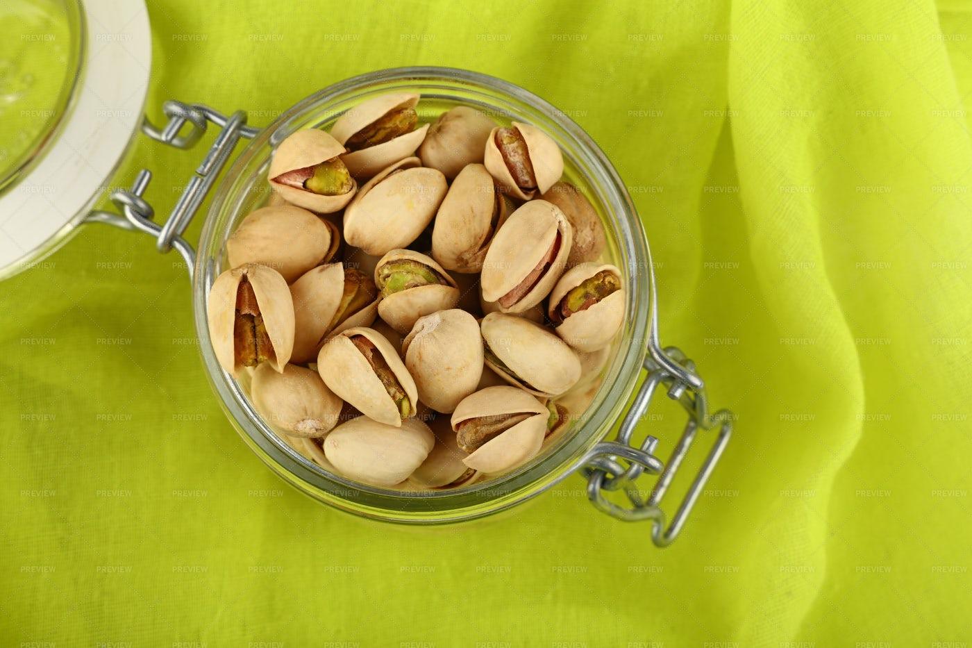 Pistachio Nuts: Stock Photos