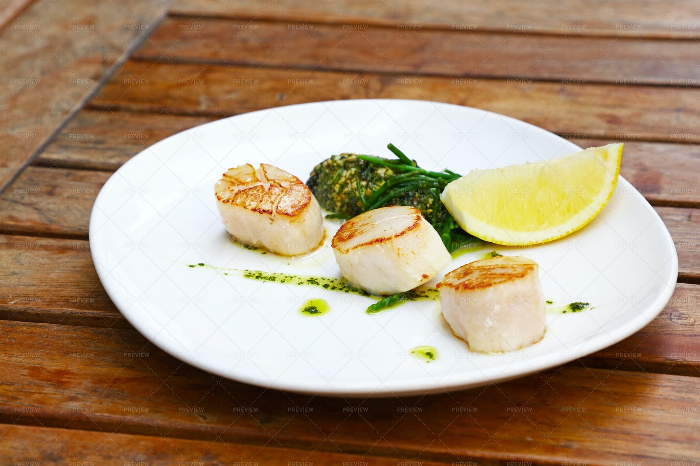 Grilled Scallops On Plate: Stock Photos