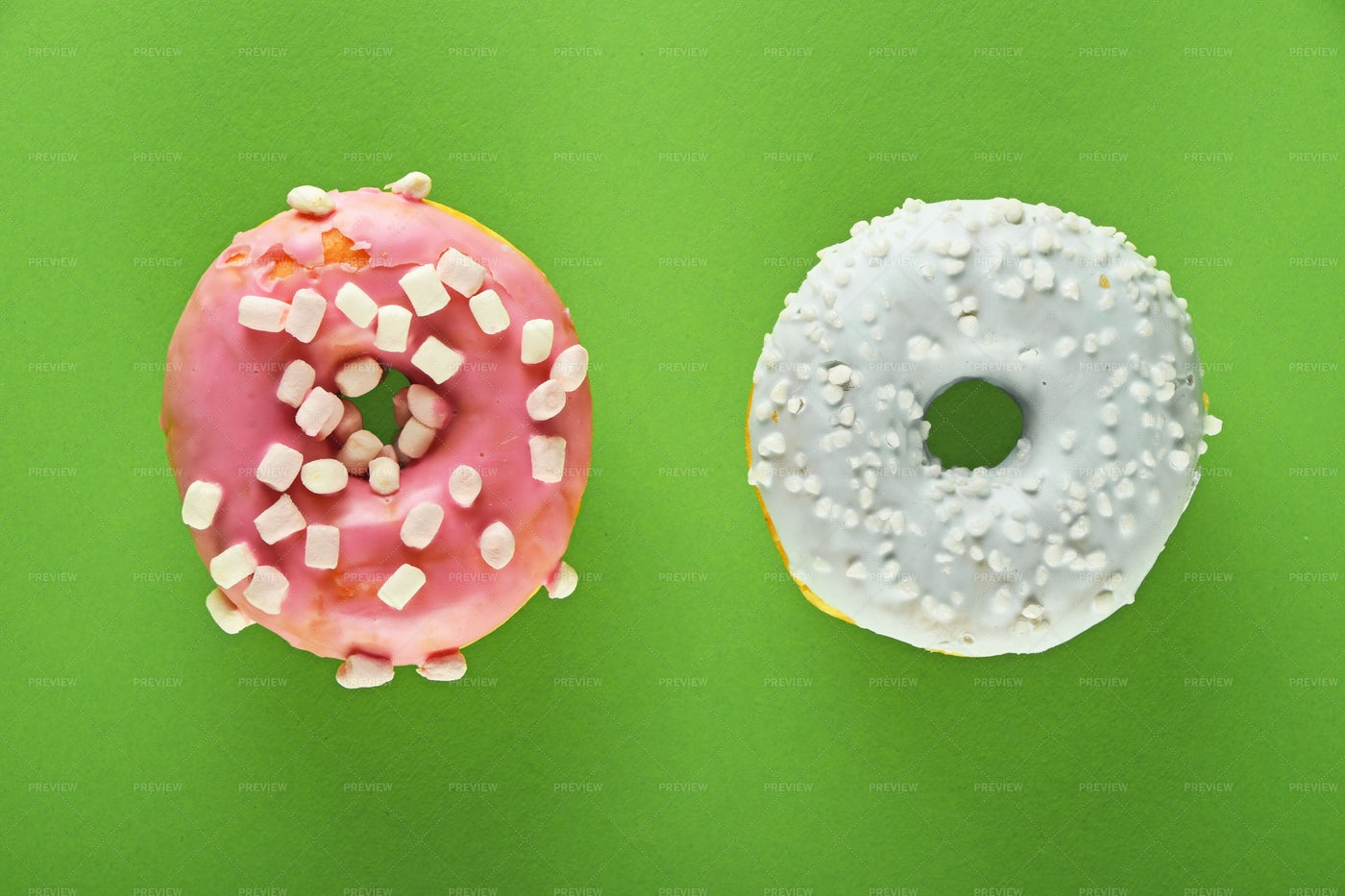 Donuts With Icing: Stock Photos