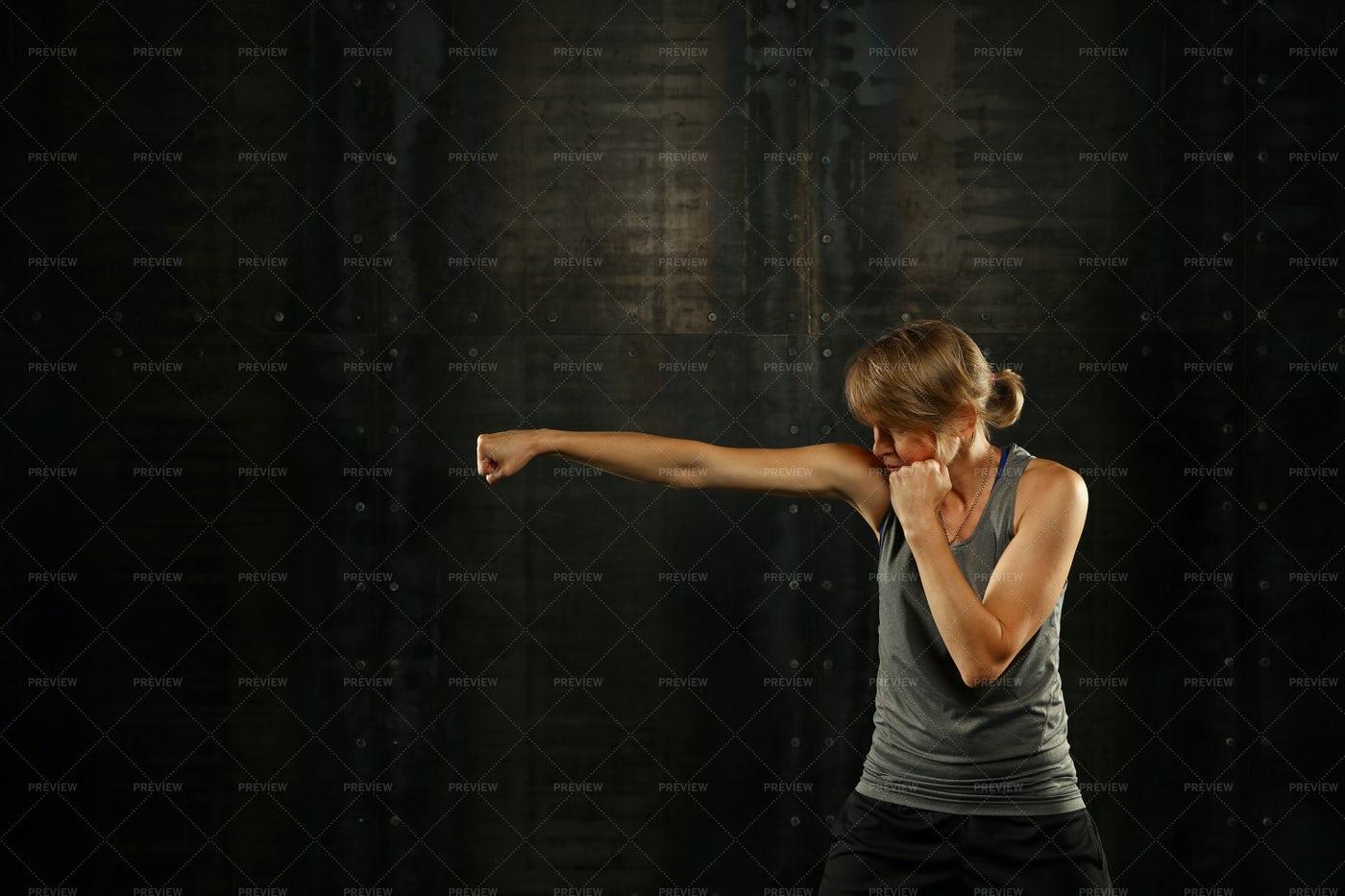 Woman Boxing: Stock Photos