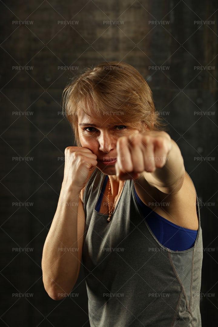 Boxer Woman: Stock Photos