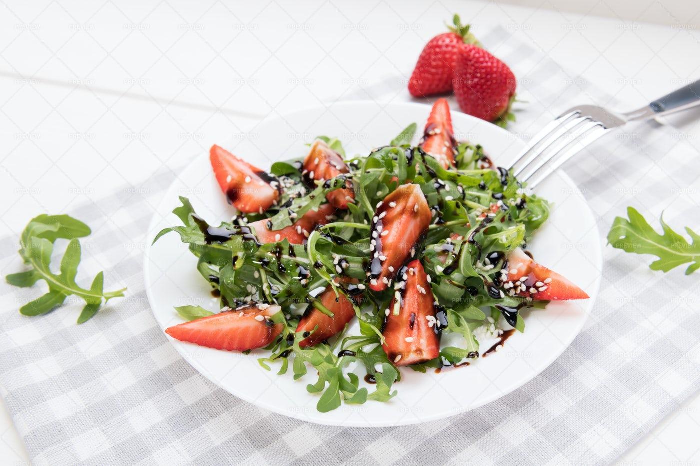 Balsamic, Strawberry And Arugula Salad: Stock Photos