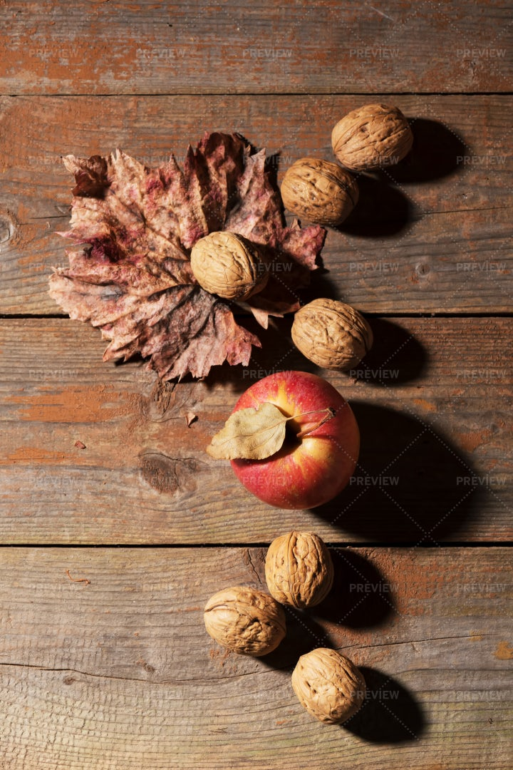 Whole Walnuts With Apple: Stock Photos