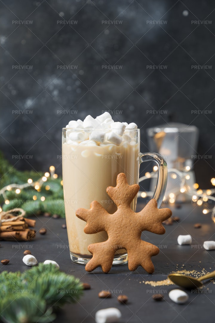 Christmas Coffee With Marshmallow: Stock Photos