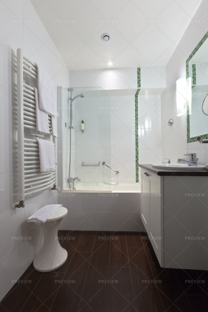Bathroom Interior: Stock Photos