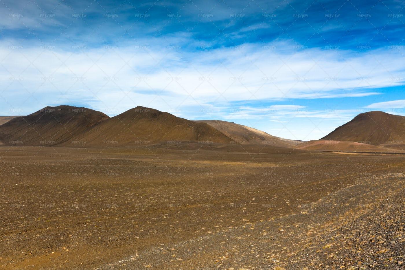 Dry Gravel Landscape: Stock Photos