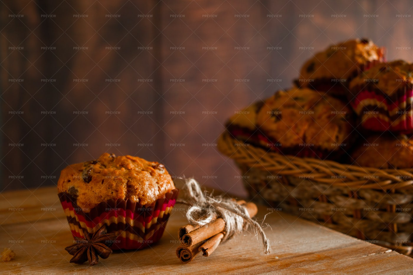Muffins With Raisins: Stock Photos