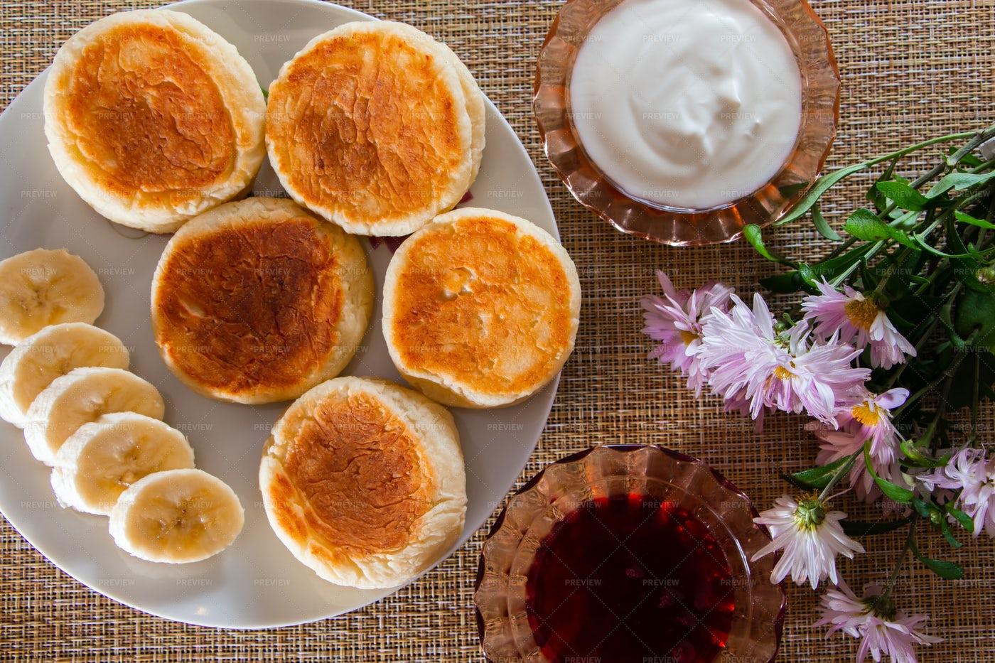 Cottage Cheese Pancakes: Stock Photos