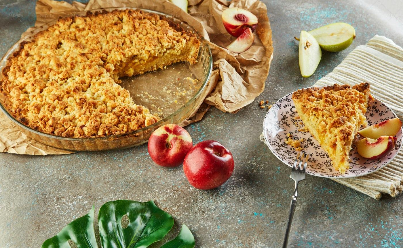 Homemade Peach Pie: Stock Photos
