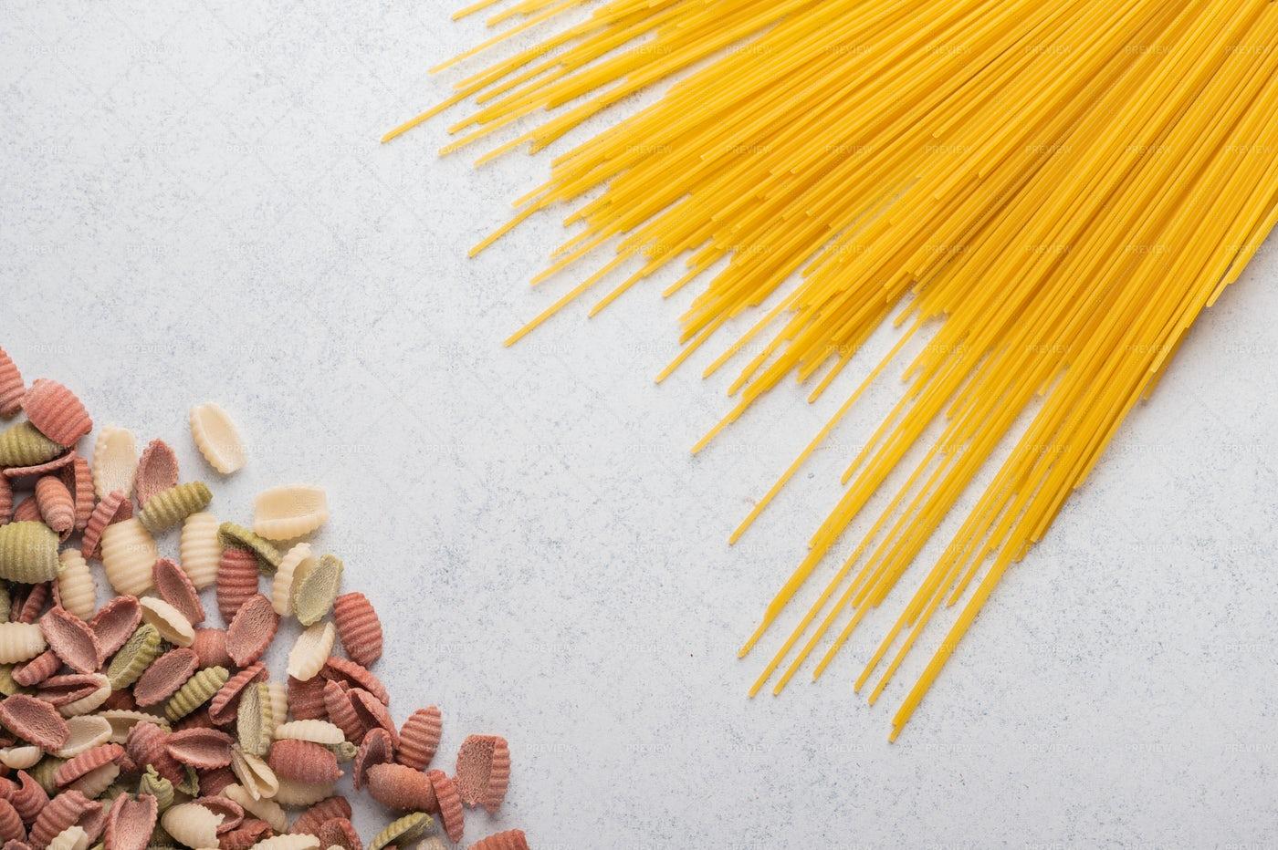Macaroni Spaghetti Background: Stock Photos