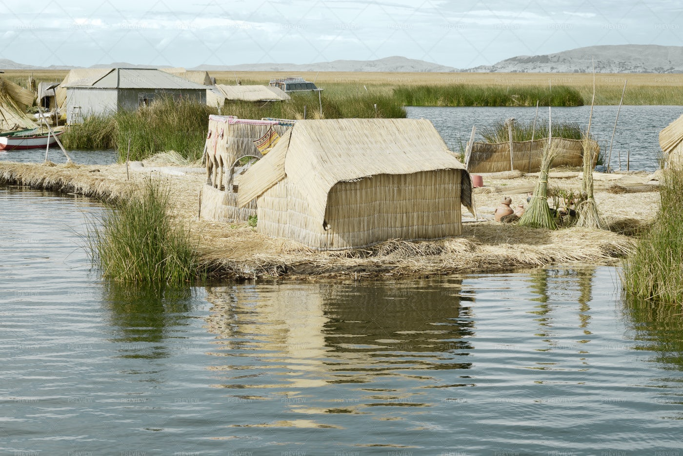 Little Houses Of The Uros Islands: Stock Photos