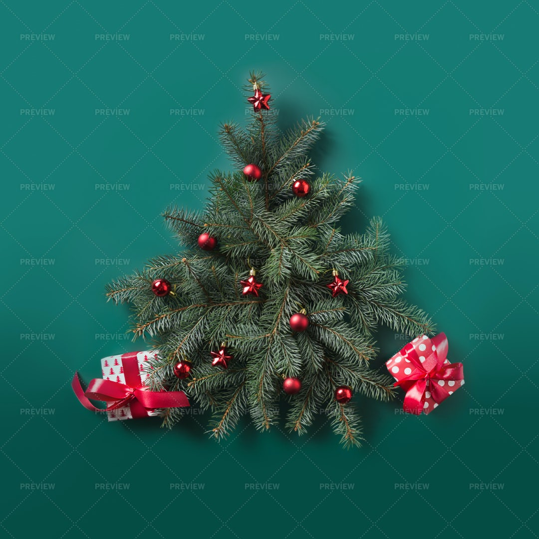 Christmas Tree With Red Boxes: Stock Photos