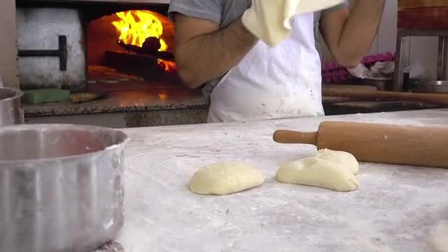 Traditional Turkish Pide (Pita) Pack: Stock Video