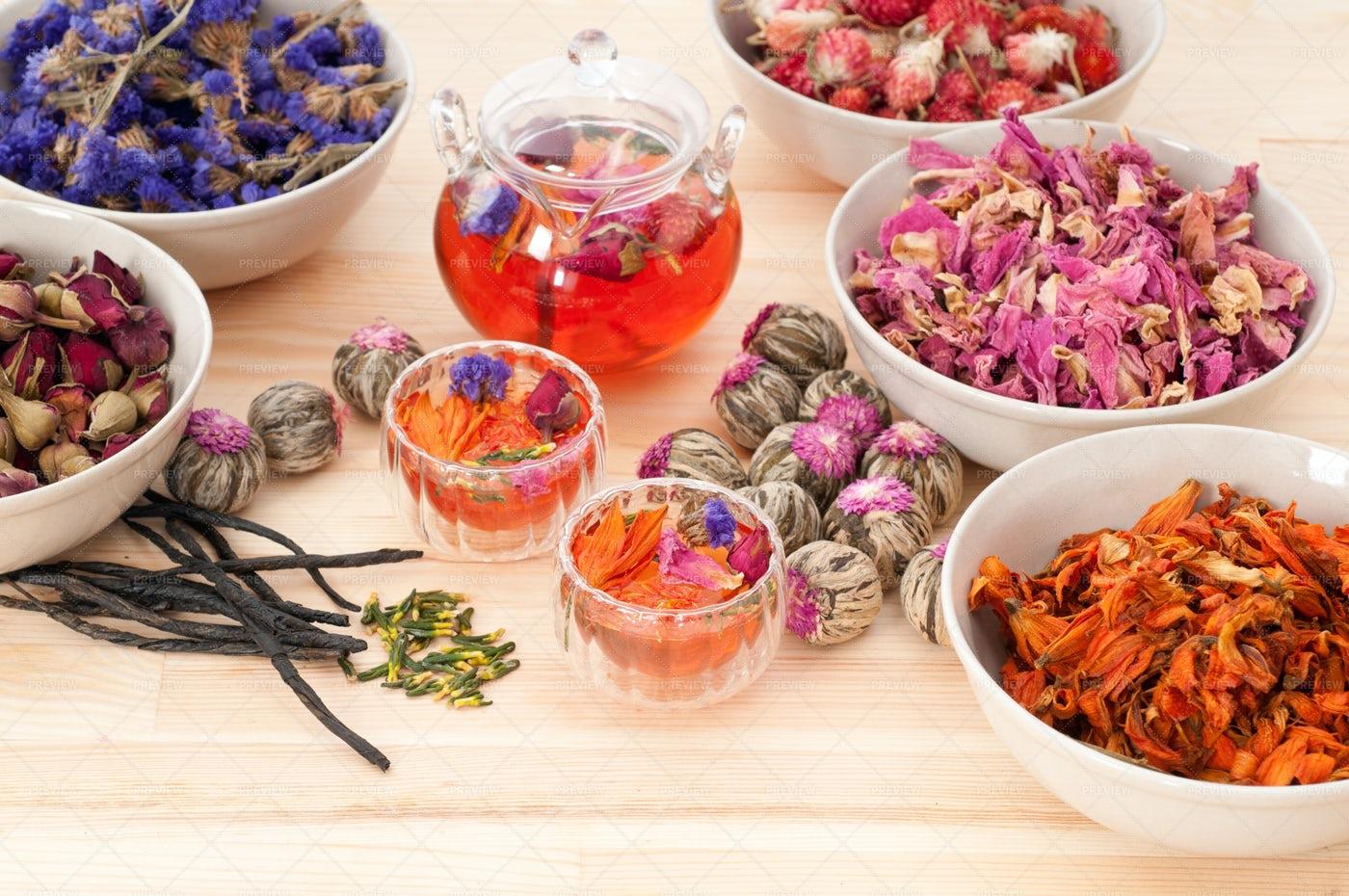 Natural Floral Tea Infusion: Stock Photos