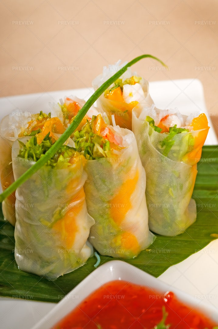 Vietnamese Summer Rolls: Stock Photos