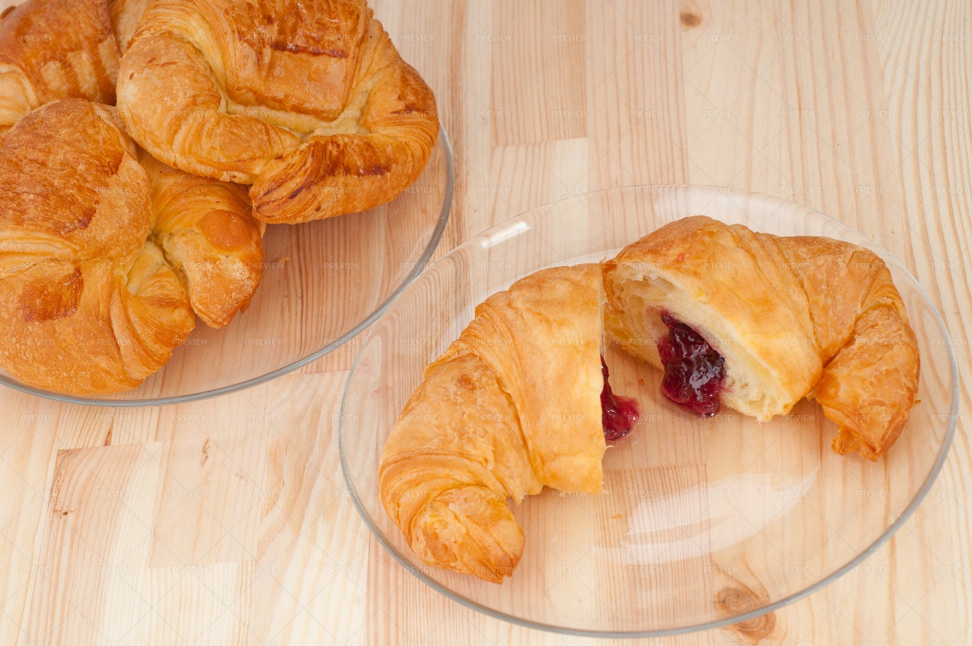Berry Filled Croissants: Stock Photos