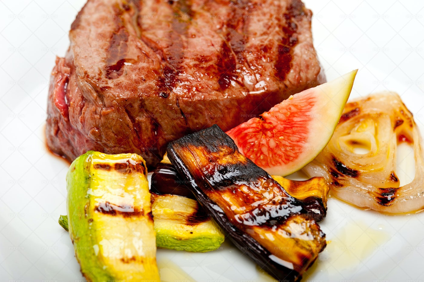 Grilled Beef Filet Mignon: Stock Photos