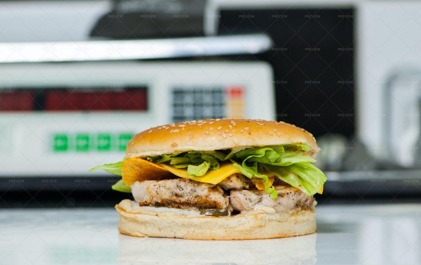 A Cheeseburger With Chicken: Stock Photos