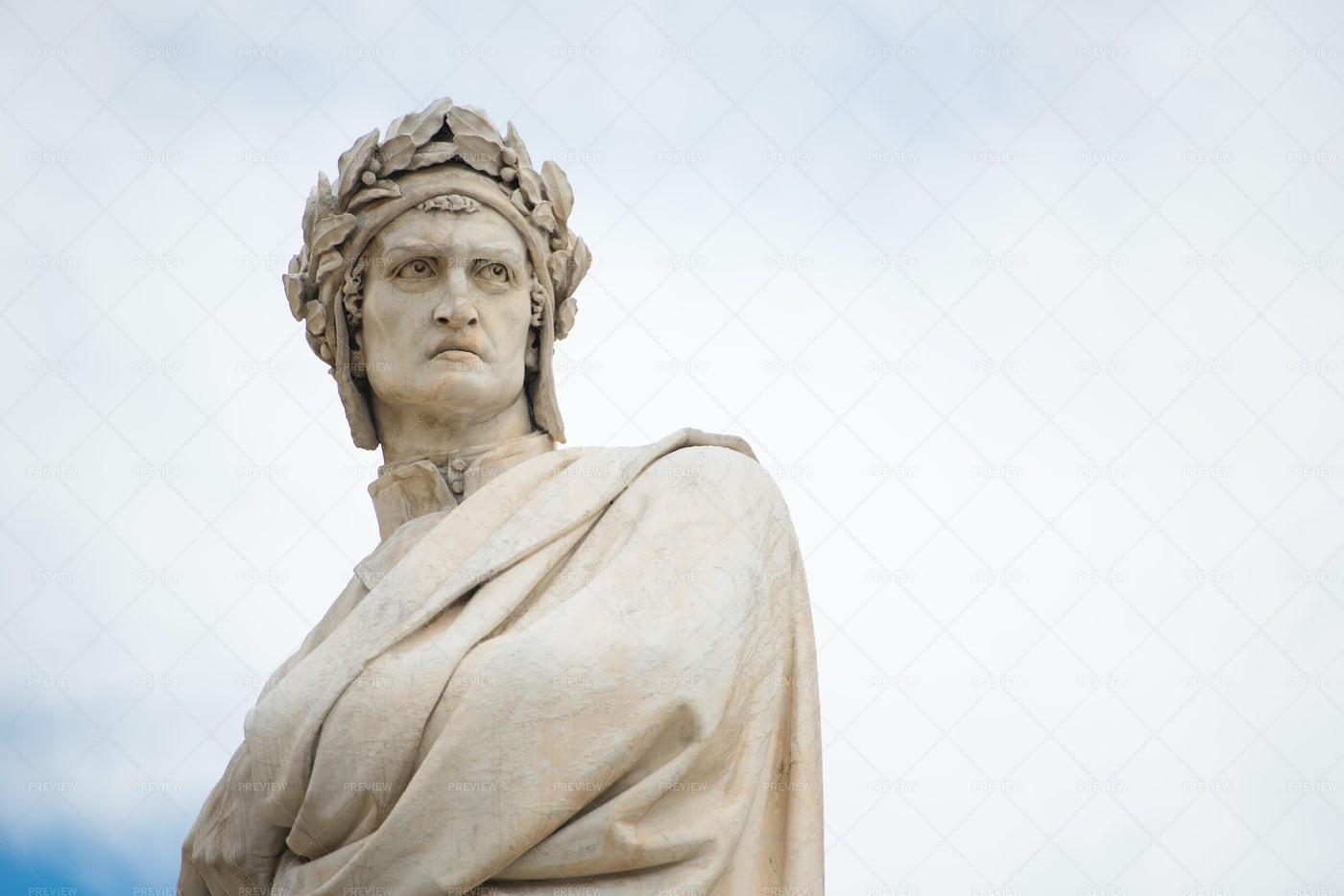 Statue Of Dante Alighieri: Stock Photos