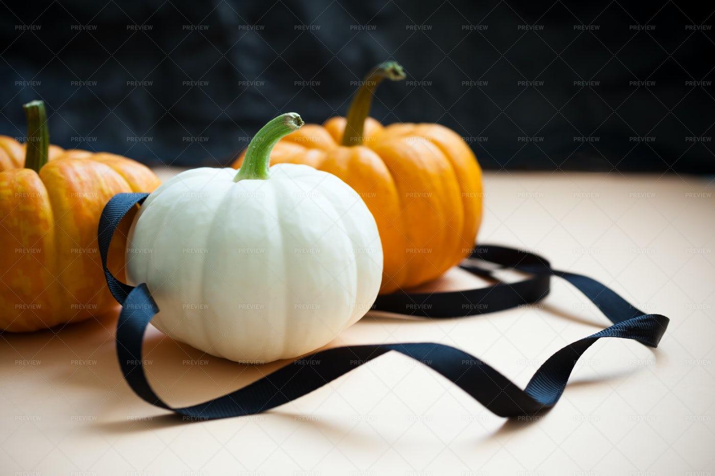 Orange And White Pumpkins: Stock Photos