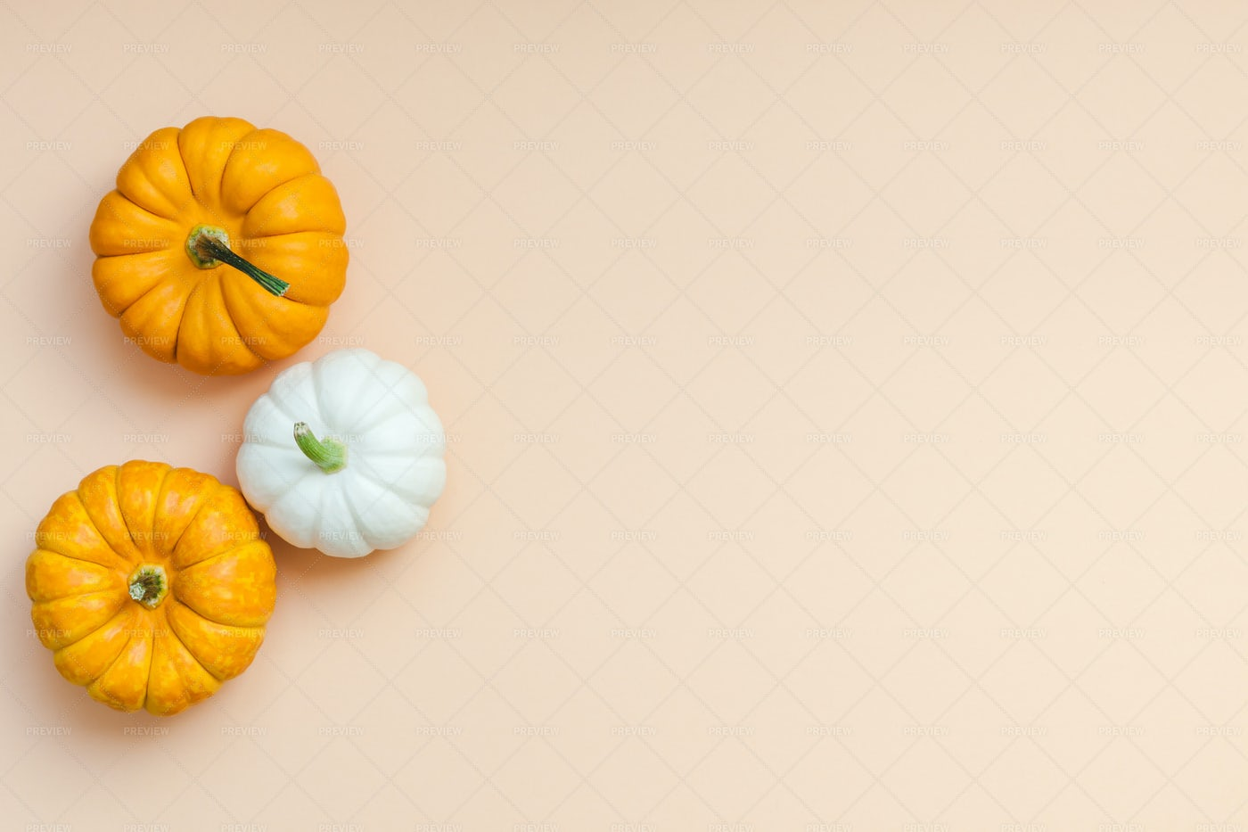 Three Small Pumpkins: Stock Photos
