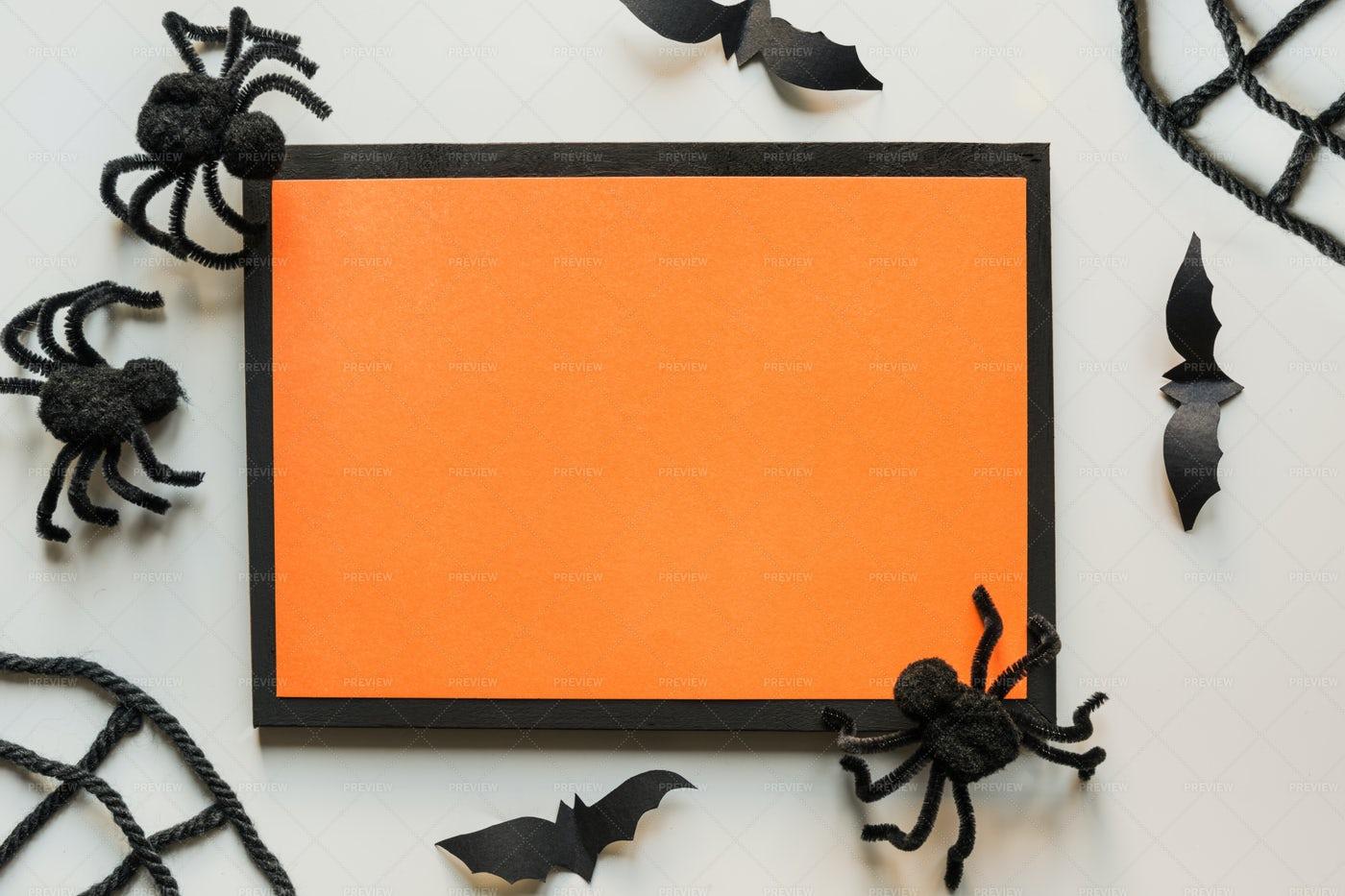 Halloween Invitation With Spiders: Stock Photos
