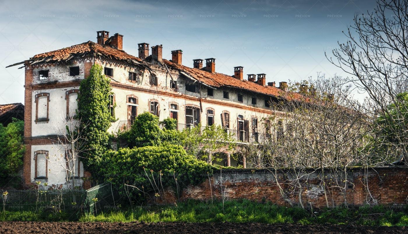 Old Farmhouse: Stock Photos