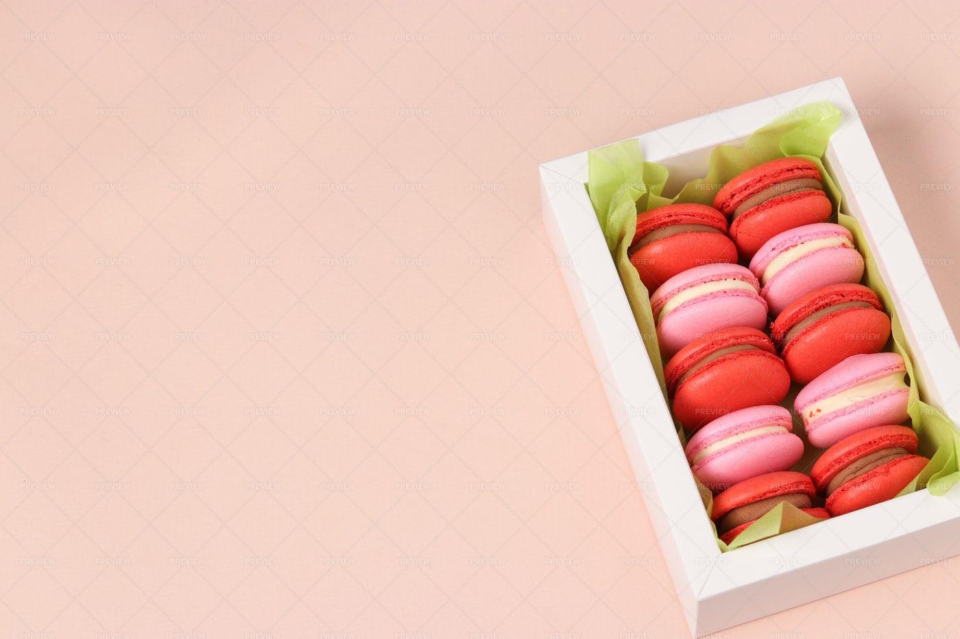 Box Of Macarons: Stock Photos
