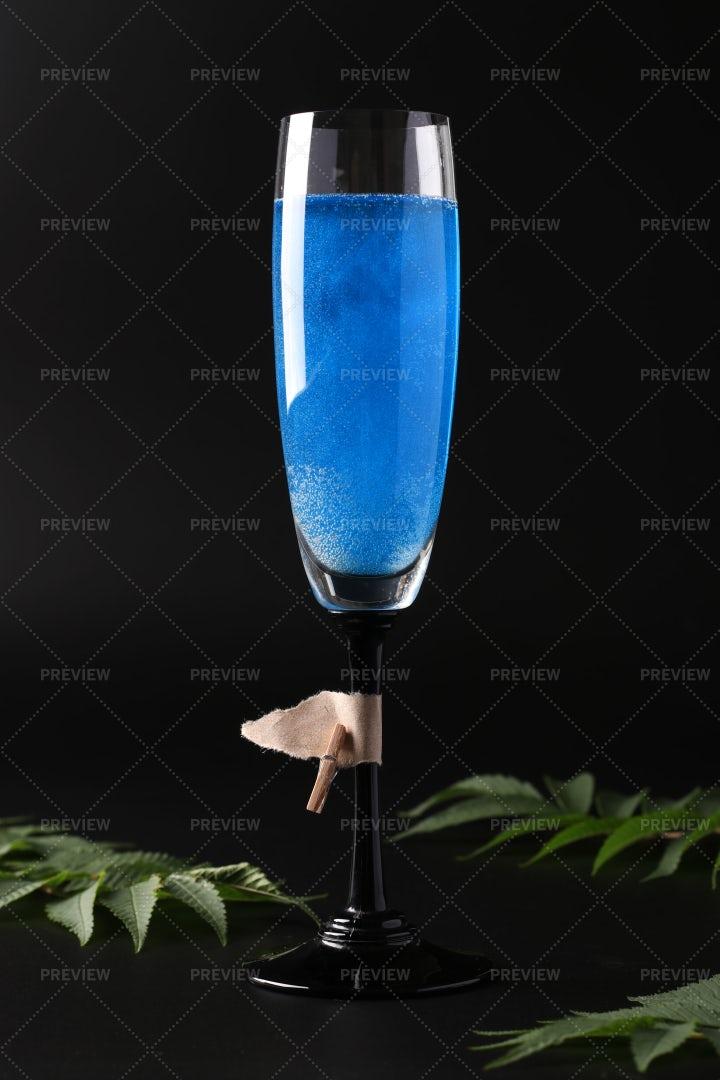 Sparkling Blue Cocktail: Stock Photos