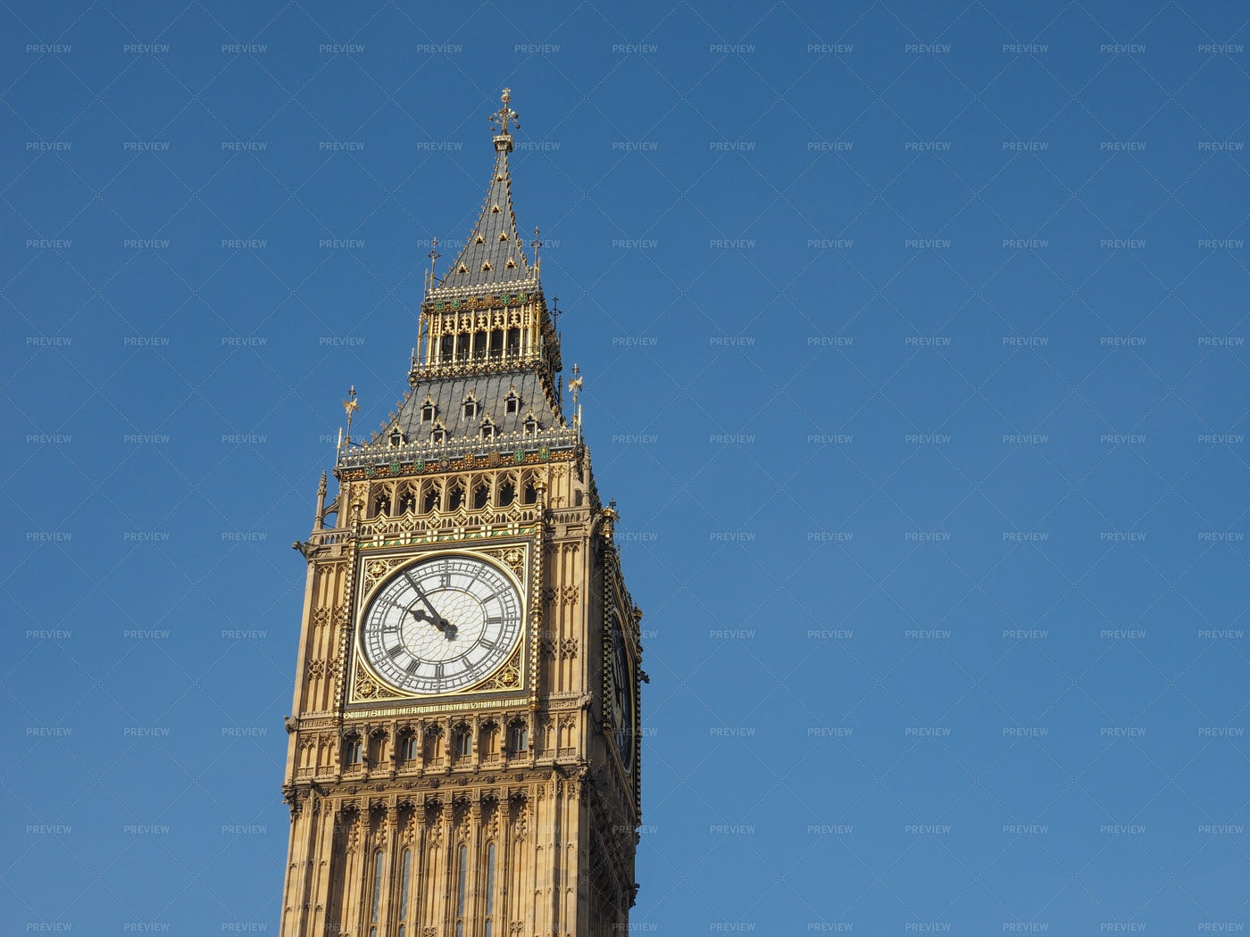Big Ben Against The Sky: Stock Photos