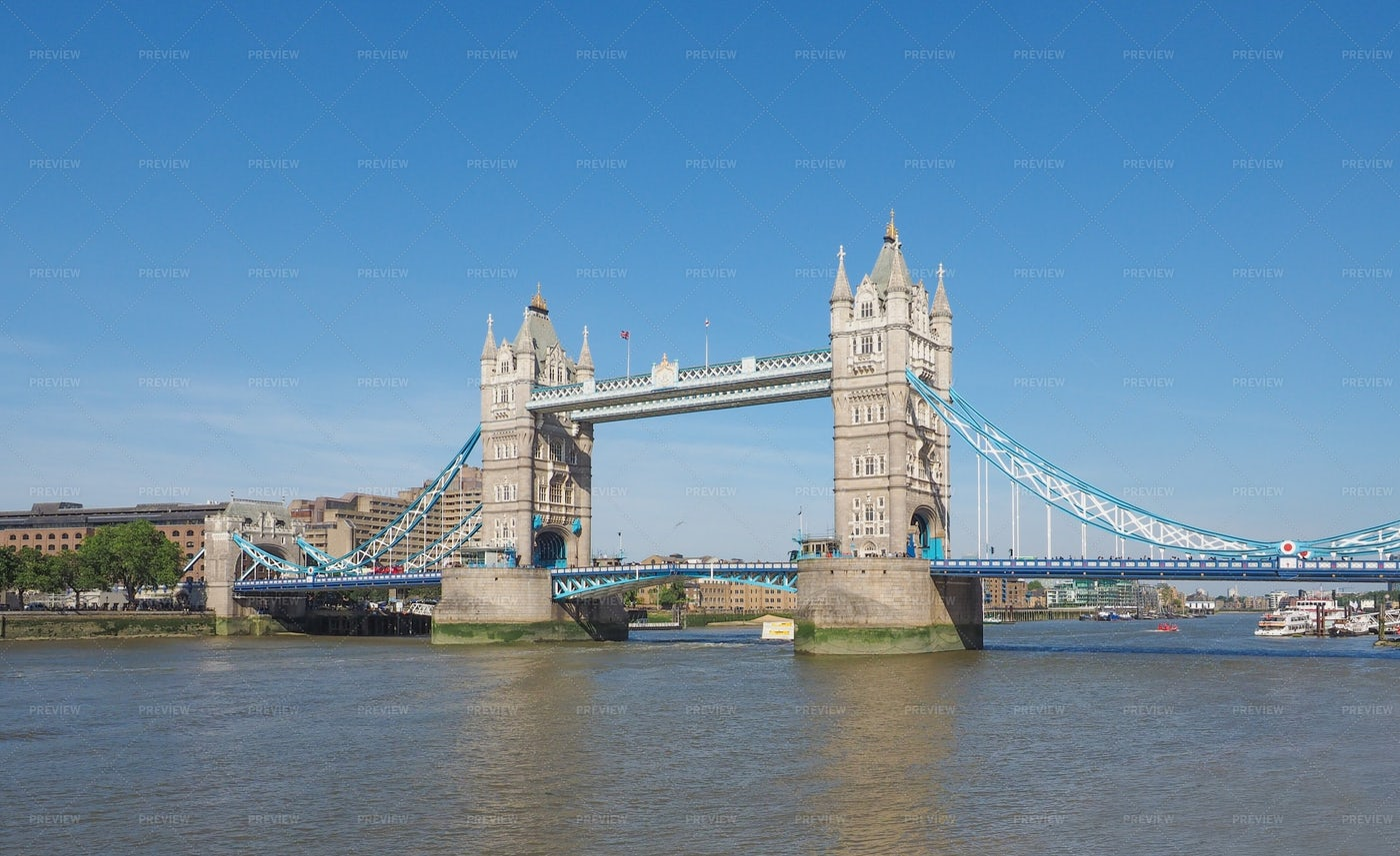 London's Tower Bridge: Stock Photos
