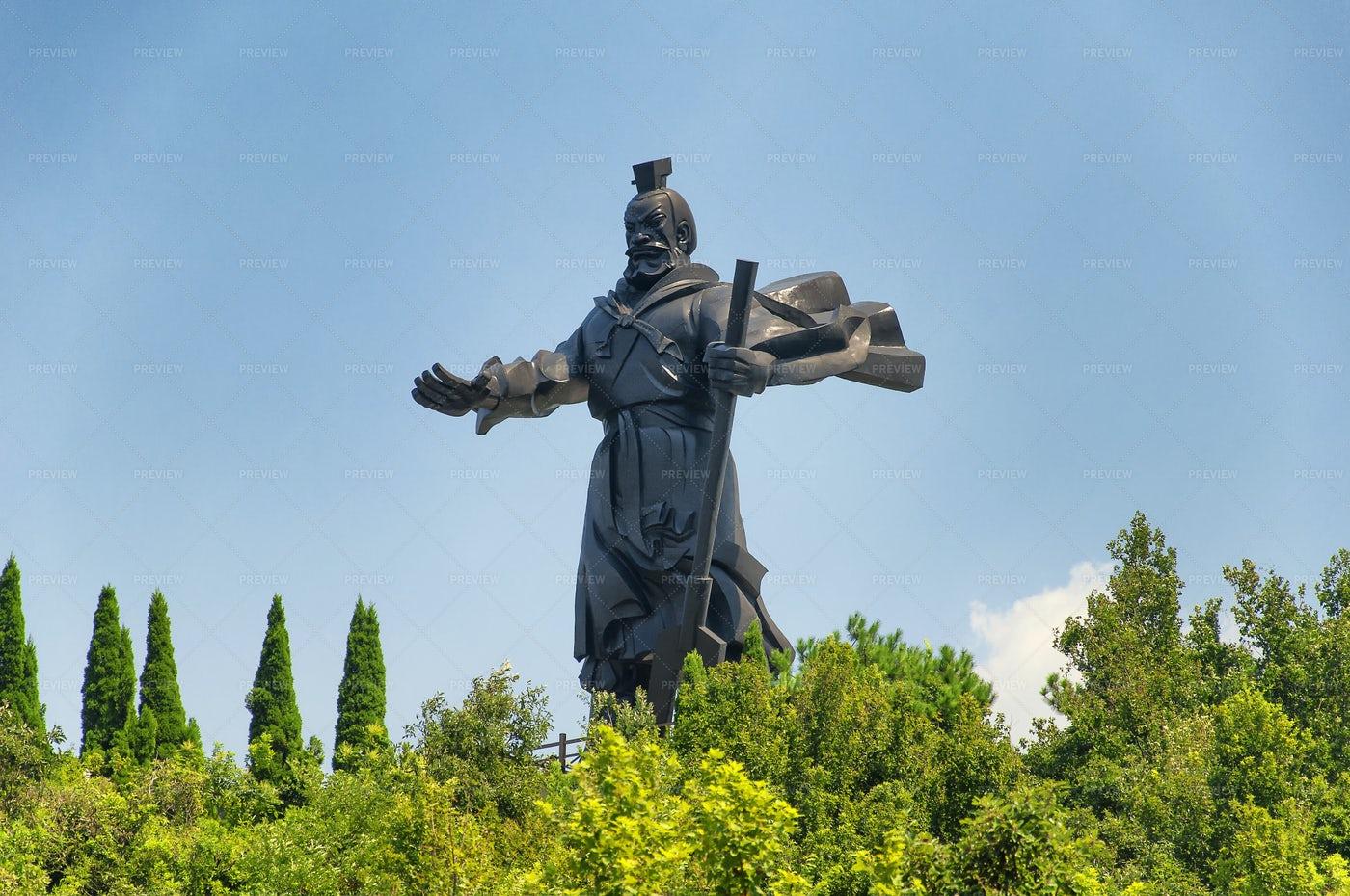Guan Yu Statue: Stock Photos