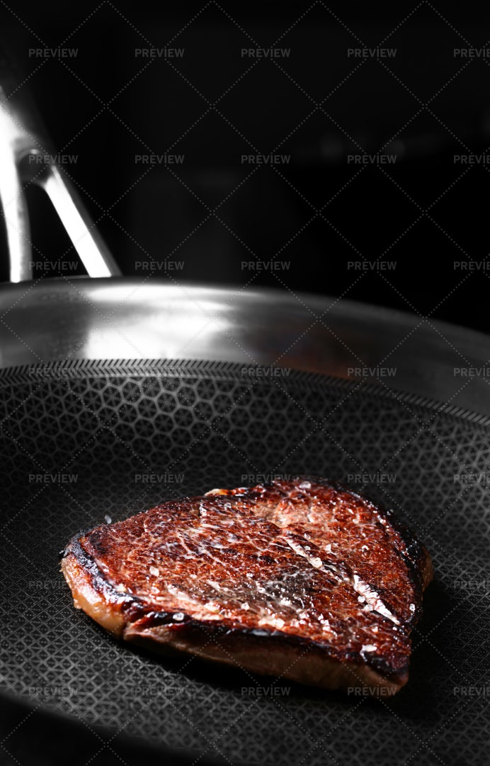 Spicy Beef Steak: Stock Photos