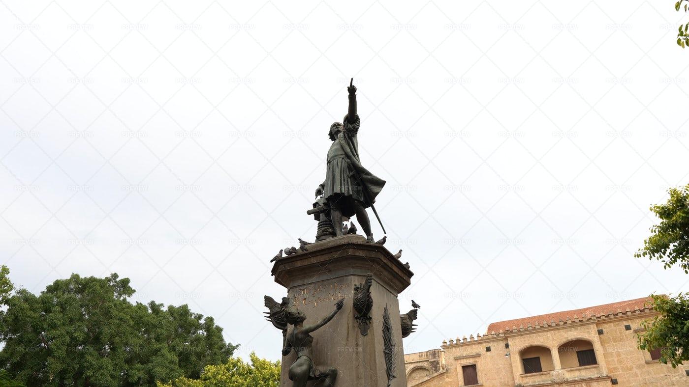 Christopher Columbus Monument: Stock Photos