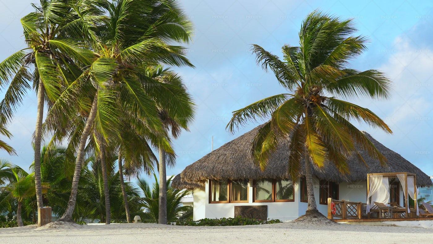 Luxury Beach Bungalow: Stock Photos