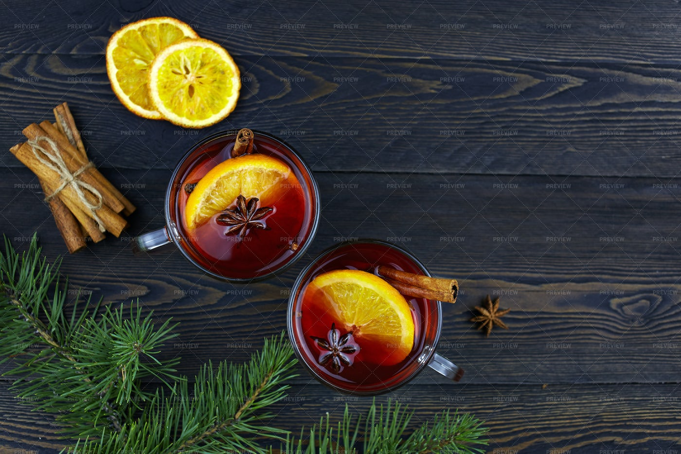 Hot Christmas Mulled Wine: Stock Photos