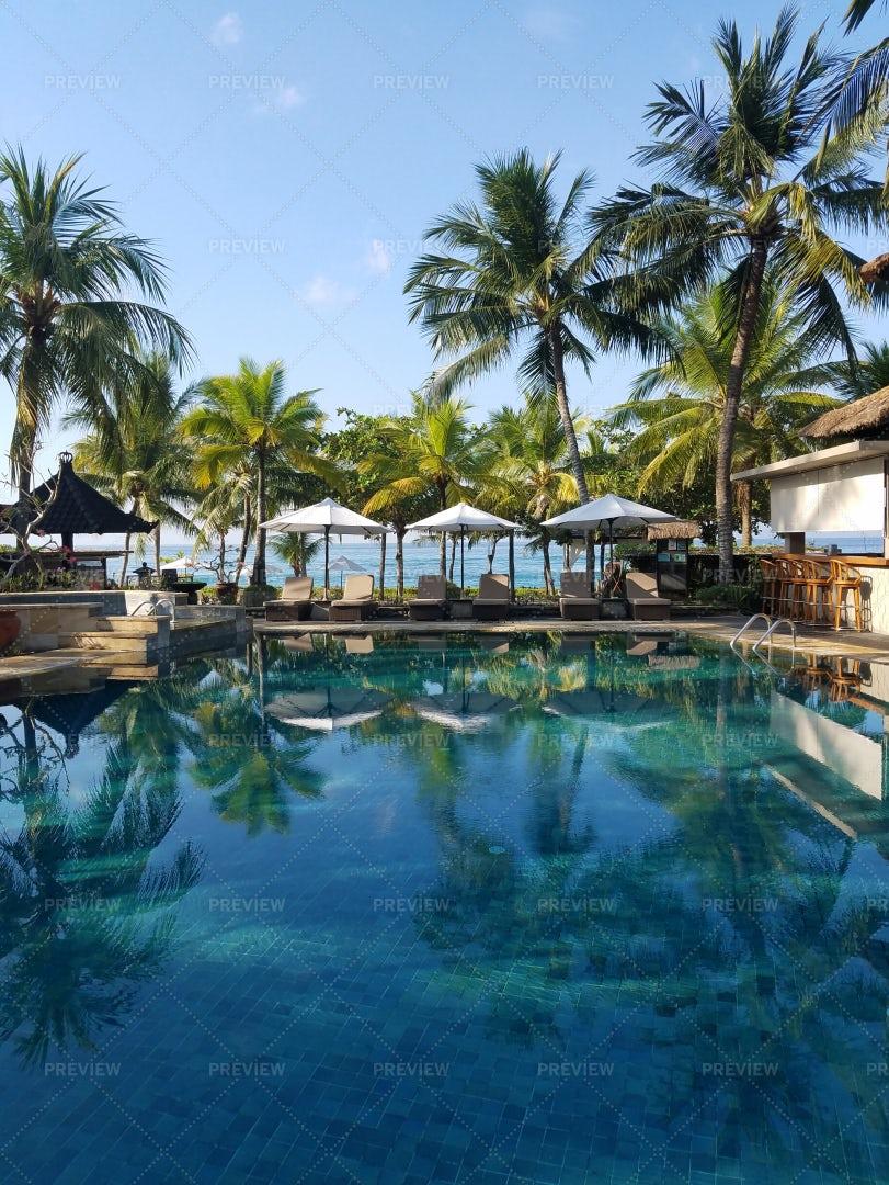 A Pool Bar In Bali: Stock Photos