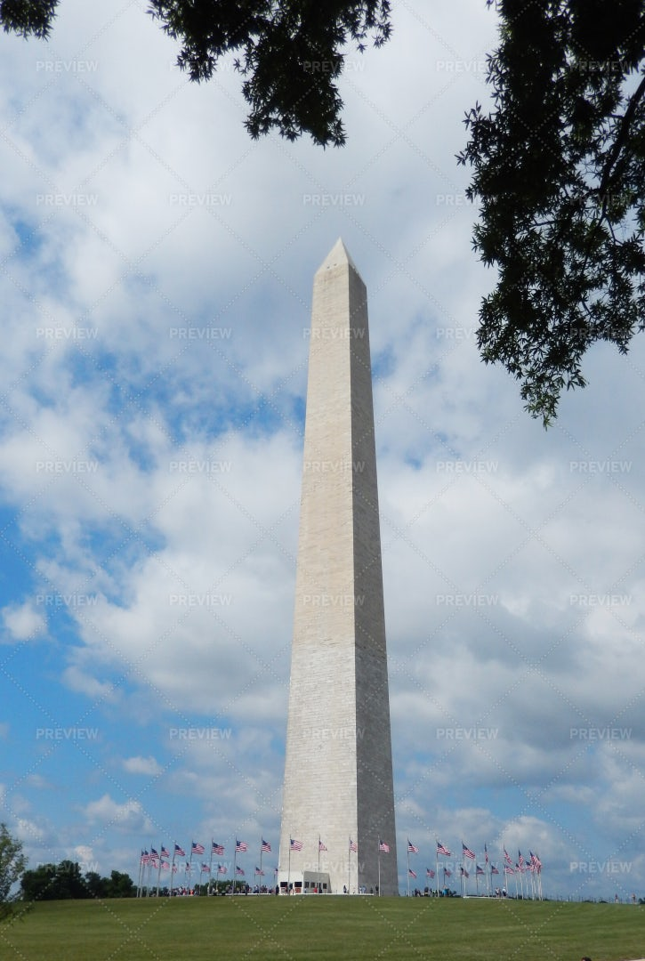Washington Monument On The National Mall: Stock Photos