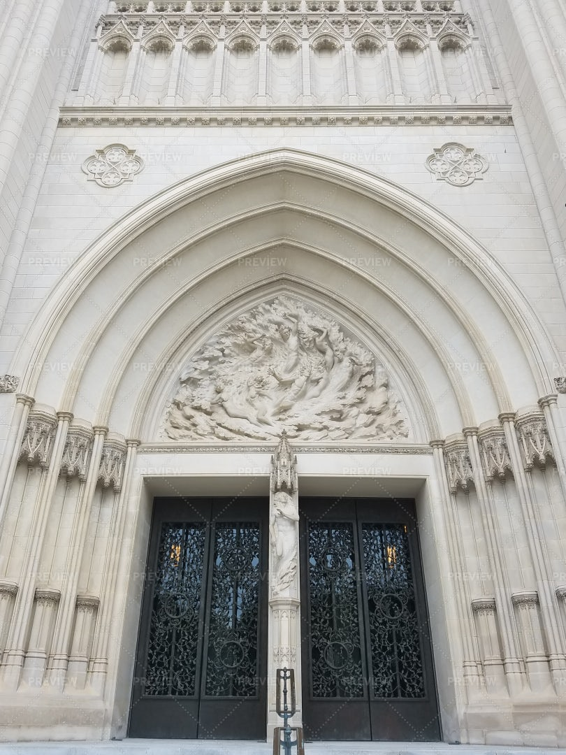 National Cathedral Portal: Stock Photos