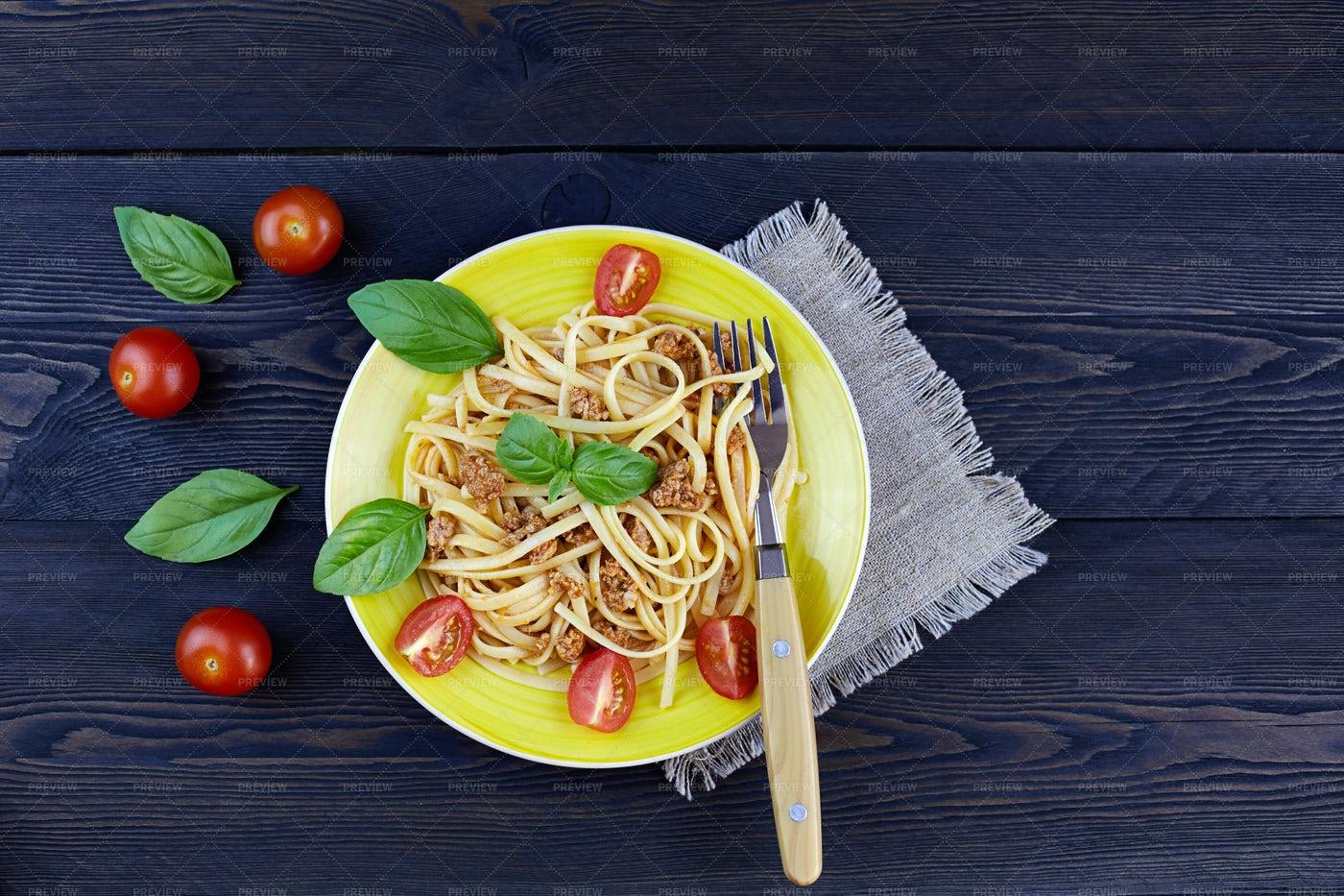 Classic Italian Bolognese Pasta: Stock Photos