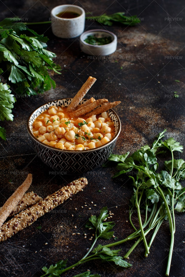 Ditalini Pasta With Chickpeas: Stock Photos