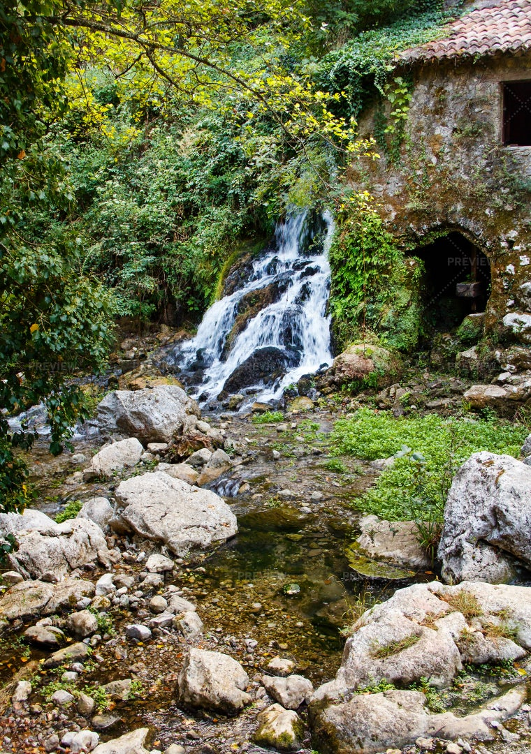 Ancient Water Mill: Stock Photos