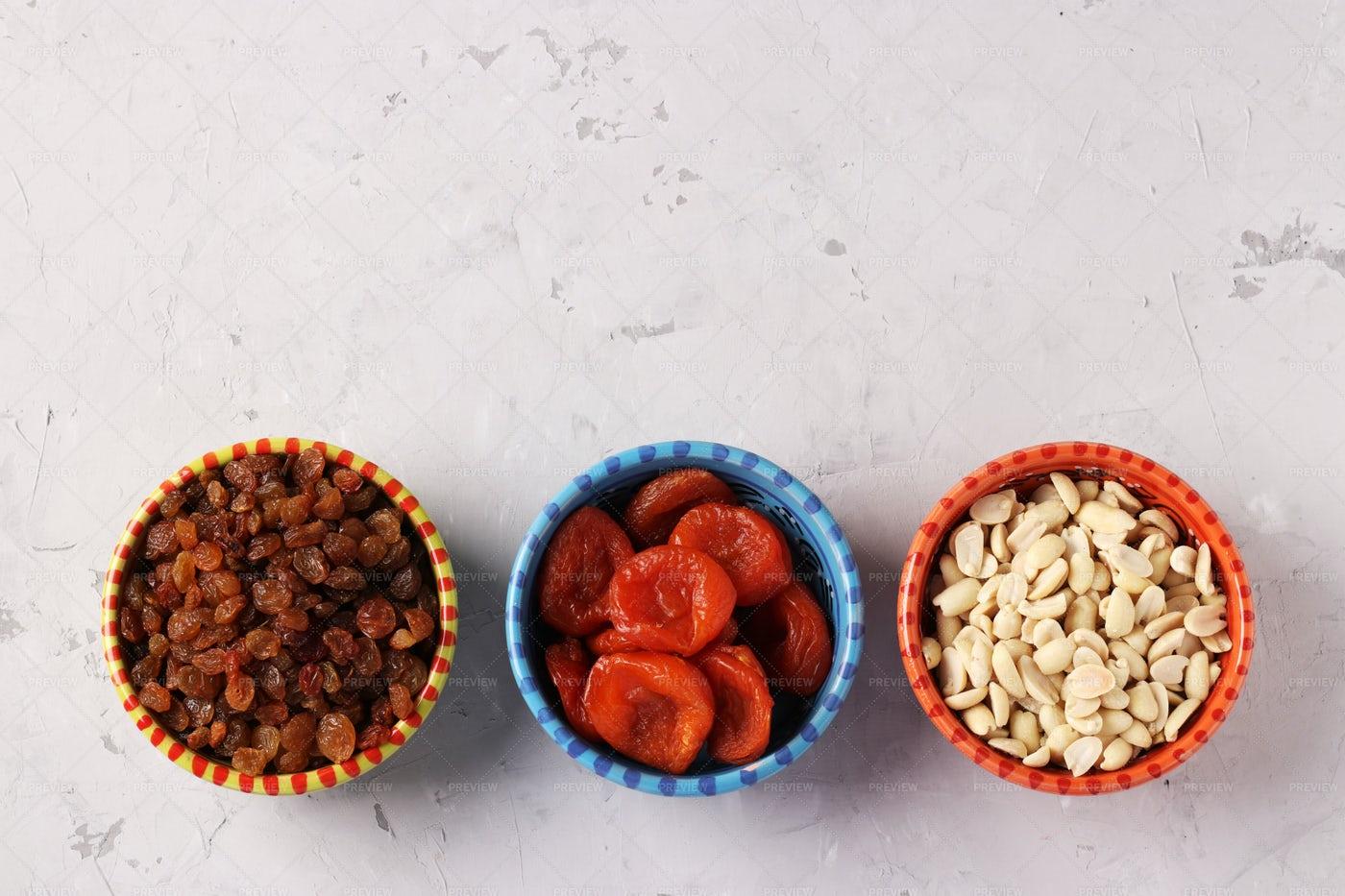 Apricot, Raisins, And Peanuts: Stock Photos