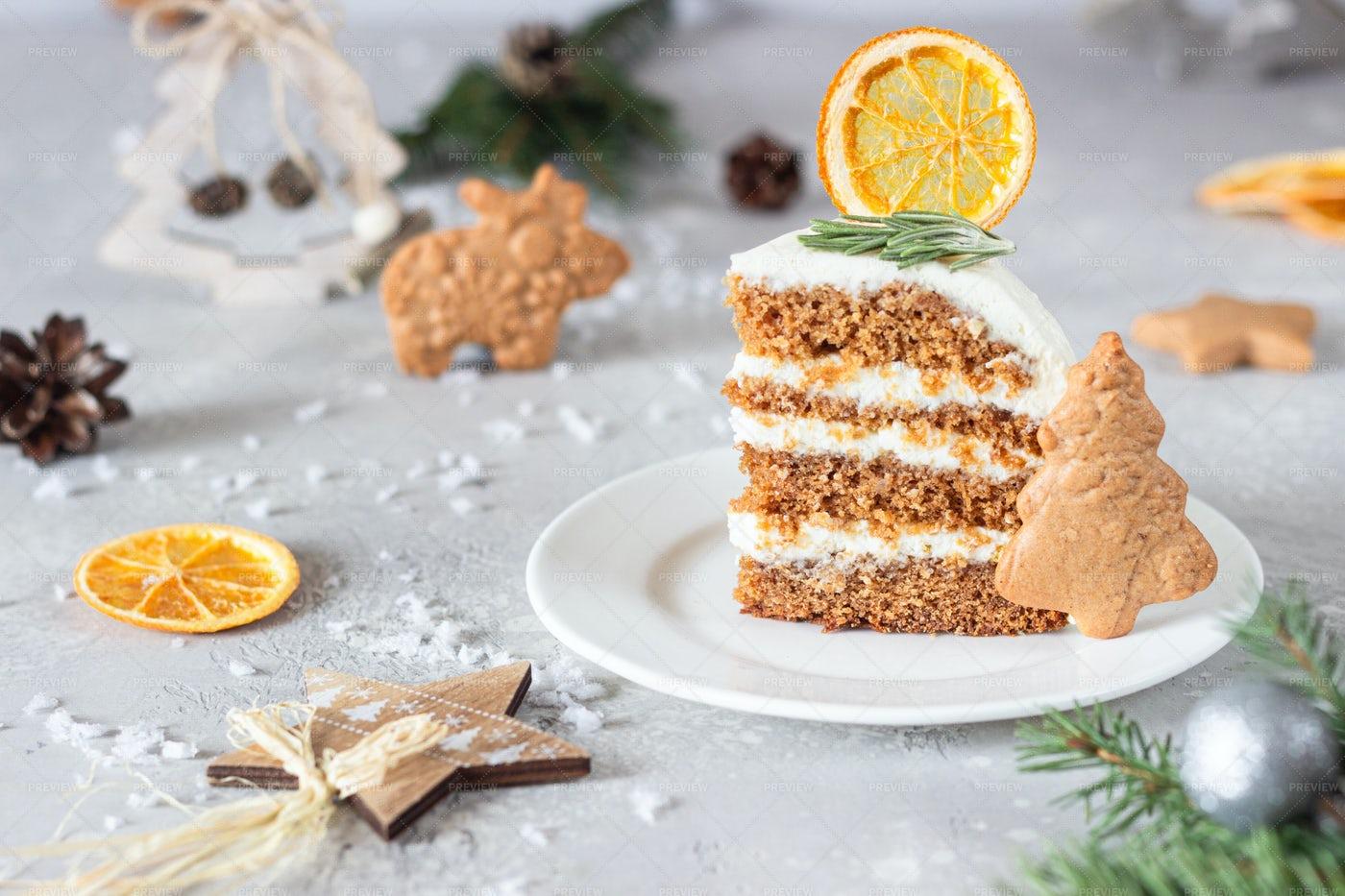 Christmas Gingerbread Cake: Stock Photos